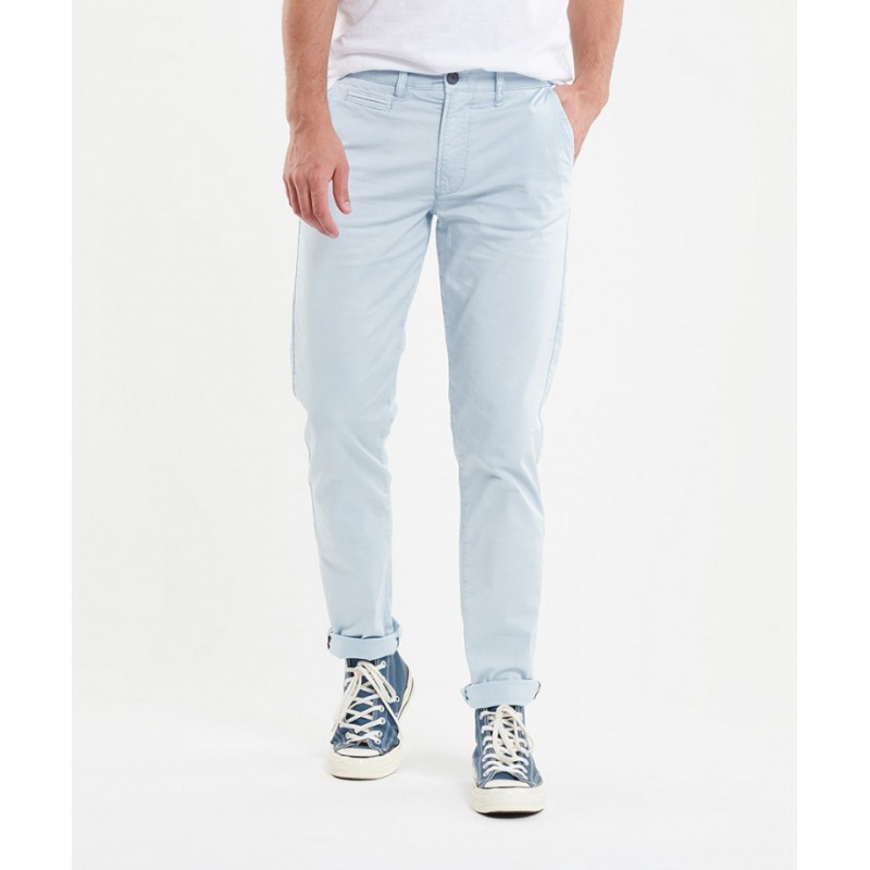 Chino pour homme Hero Seven.